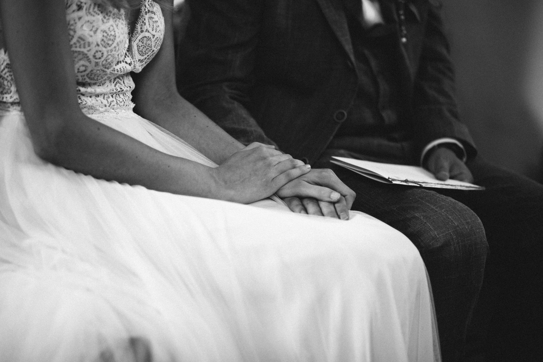 Kirchliche Trauung Hand in Hand